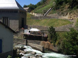 Conduite de décharge de la centrale hydroélectrique de Nouaux et la base vie du chantier Mécamont Hydro