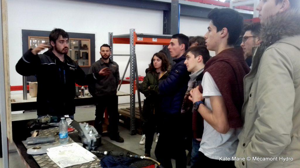 Les étudiants de l'IUT GMP de Tarbes lors de la Semaine de l'industrie chez Mecamont Hydro à Lannemezan